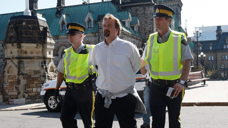 oilsands protest on parliamsnt hill, people arrested