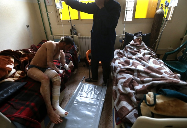Syrian soldiers treated in Lebanon