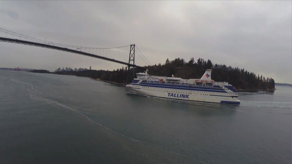 "Kitimat's new ""flotel"" cruises into Vancouver harbour to be renovated on the North Shore. (CTV)"