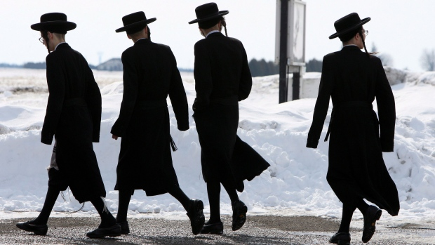 Lev Tahor members on flight back to Canada