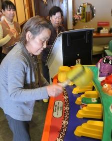 Video game industry targeting Japan's seniors