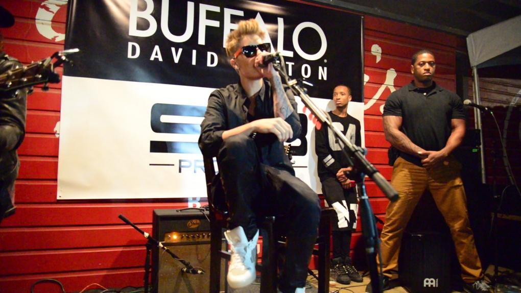 Justin Bieber makes surprise SXSW visit
