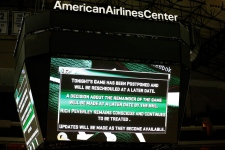 Rich Peverley collapses at Stars-Blue Jackets game