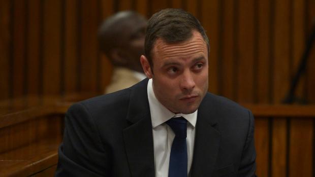 Pistorius murder trial hears about bat