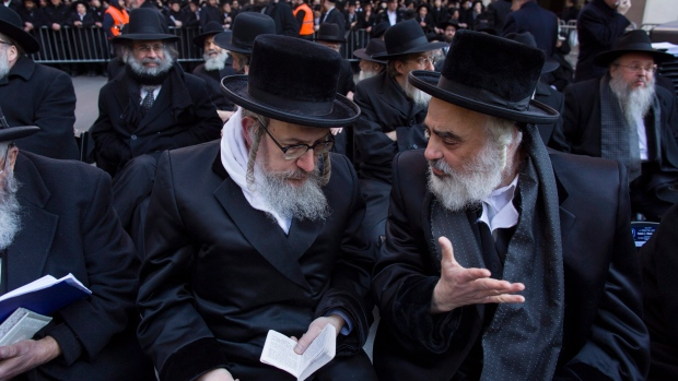 Israel passes law Orthodox Jews into military