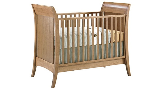 Health Canada Advises Against Using Cribs More Than 10