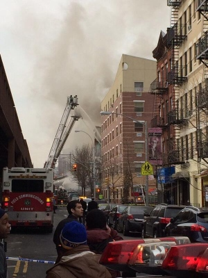 Huge clouds of smoke after New york City building