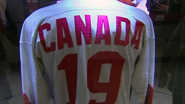 Paul Henderson brought his famous Summit Series jersey to Ottawa on Monday, Oct. 3, 2011.