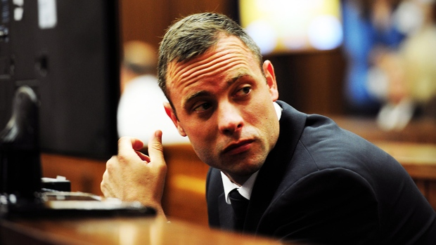 Oscar Pistorius listens to ballistics testimony