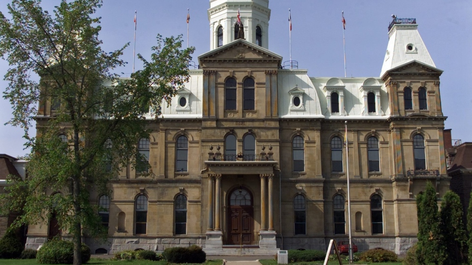Exterior view of the New Brunswick legislature in Fredericton on Saturday, June 7, 2003. (CP / Andrew Vaughan)
