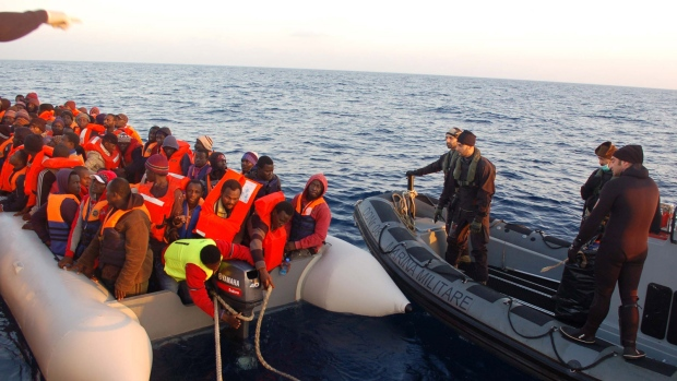 Italy picks up 4,000 migrants at sea