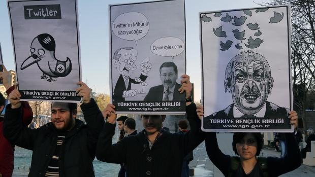 Twitter users circumvent Turkey's ban on Twitter