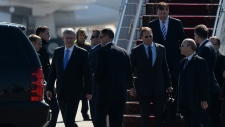 Harper arrives in Kyiv