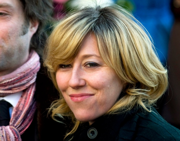 Martha Wainwright attends mother's funeral
