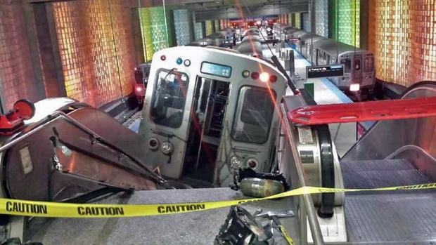 Chicago commuter train derails at O'Hare