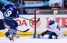 Toronto Maple Leafs play St. Louis Blues
