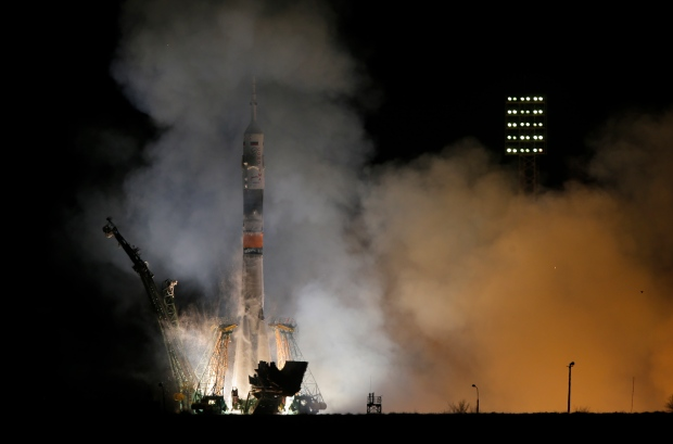 Russian and American astronauts heading to ISS