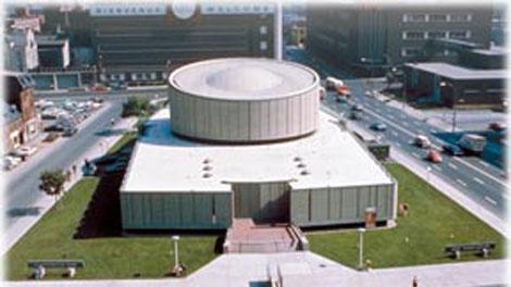 The Dow Planetarium as seen in 1967. (Photo courtesy of Montreal Planetarium).
