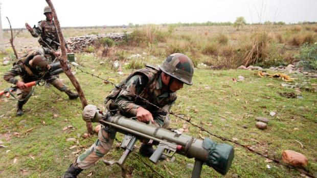 1 dead in clashes in Kashmir