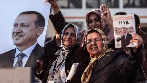 Turkish residents prepare to vote