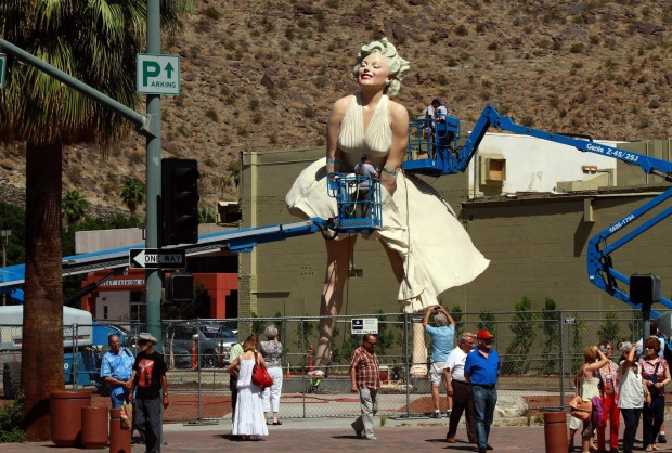 Statue of iconic blonde Marilyn Monroe