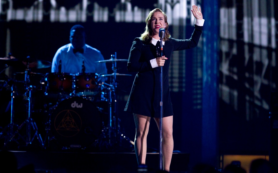 Serena Ryder performs at the Juno Awards in Winnipeg, Sunday, March 30, 2014. (John Woods / THE CANADIAN PRESS)