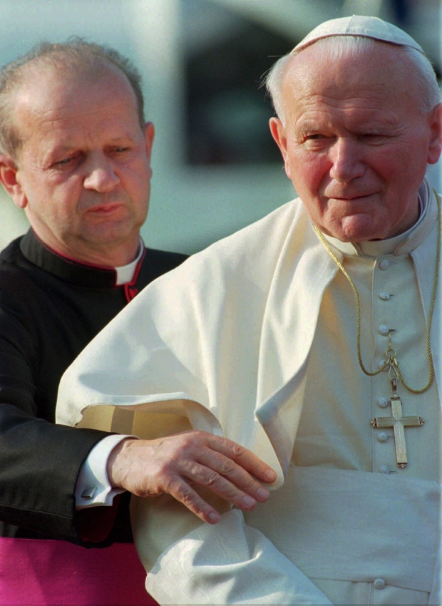No-frills canonizations planned for popes