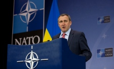 NATO ministers to end co-operation with Moscow