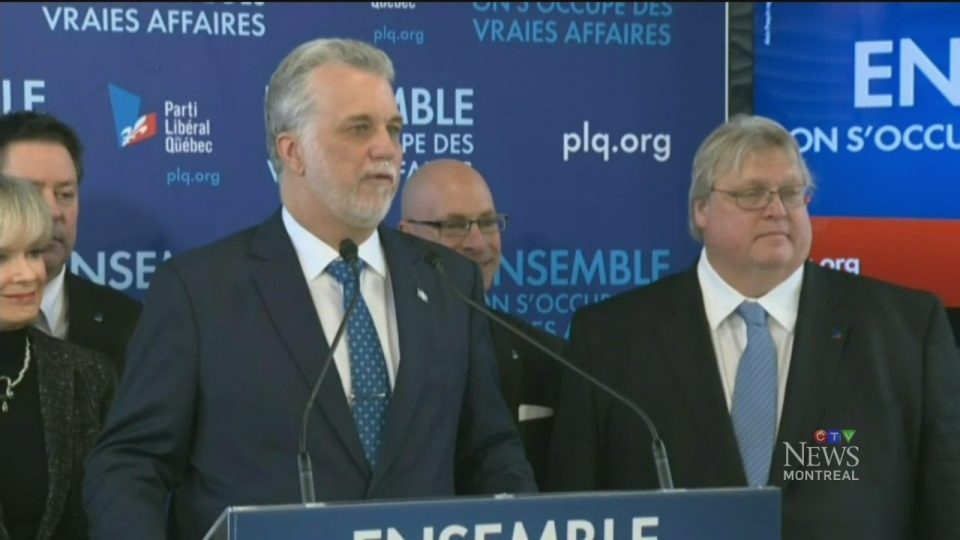 Liberal Leader Philippe Couillard emphasized that Gaetan Barrette received a $1.2 million bonus as part of a private contract between him and the federation, and that he was not paid with public money.