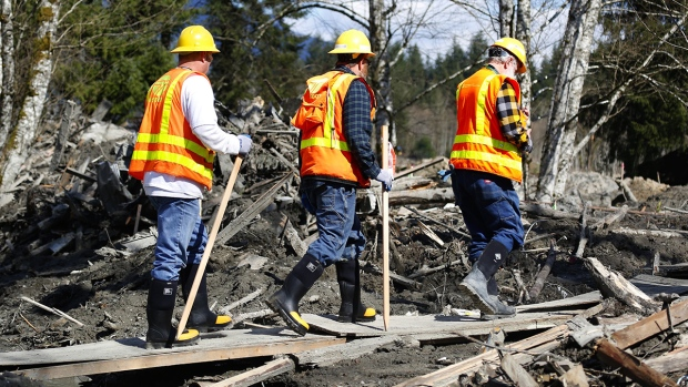 Workers search at Washington mudslide site