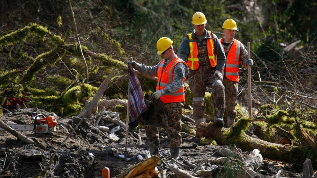Death toll for Washington mudslide reaches 30