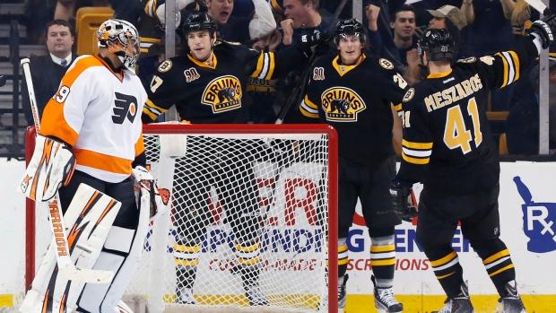 Bruins top Flyers