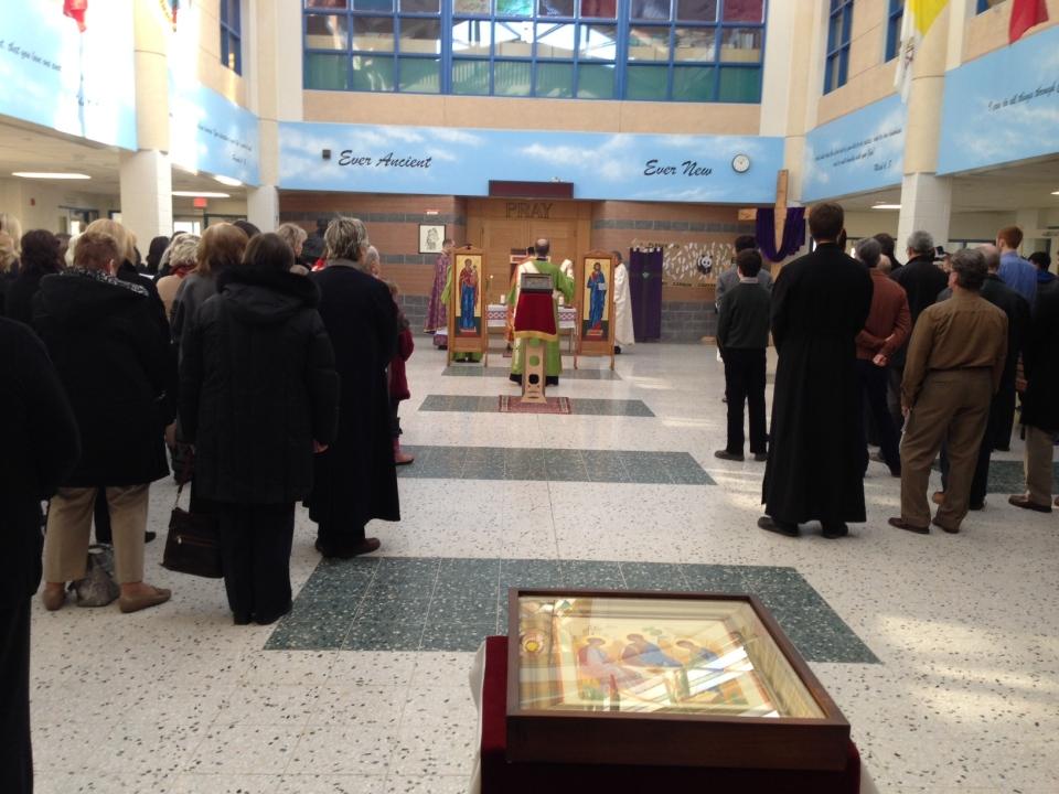 Churchgoers attend Sunday mass at St. Augustine Secondary School in Brampton. (Image: Keith Hanley / CTV Toronto)