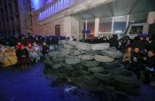 Pro-Russian activists seize admin building