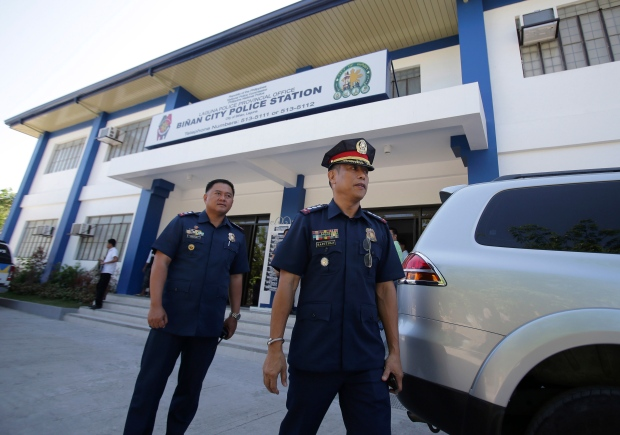 Italian diplomat held in Philippines over abuse