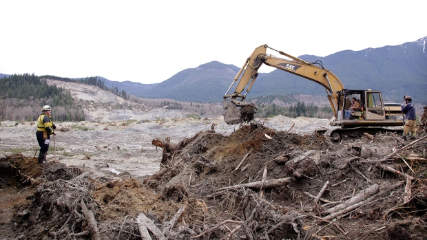 Washington mudslide recovery efforts