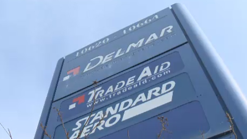 The president of Delmar Industries offered employees an extra vacation day if the PQ lost the election.