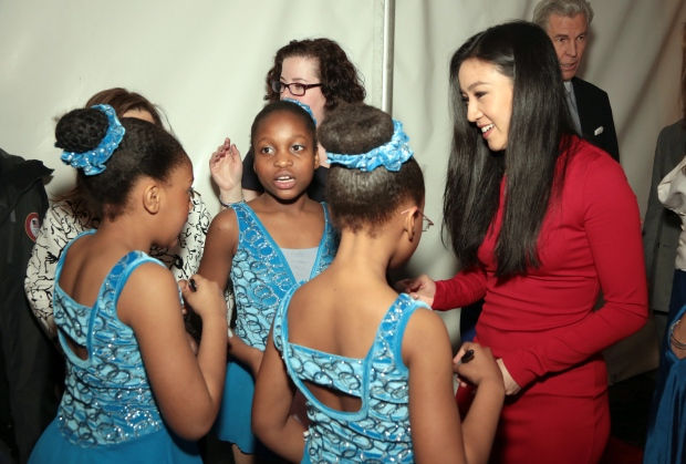 Michelle Kwan with Figure Skating Harlem students
