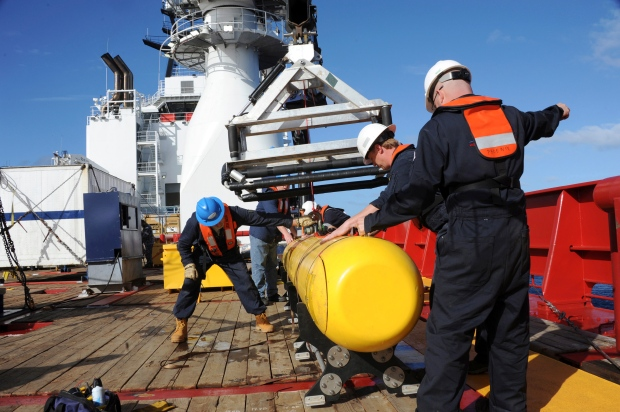 The Bluefin 21 AUV to search undersea for pings