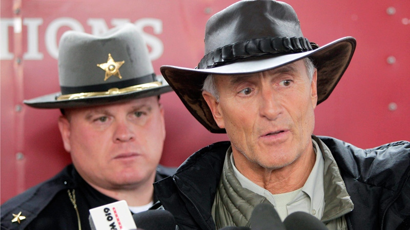 Columbus Zoo director emeritus Jack Hanna, right, and Muskingum County Sheriff Matt Lutz speak during a news conference in Zanesville, Ohio, Wednesday, Oct. 19, 2011. (AP / The Columbus Dispatch, Doral Chenoweth III)