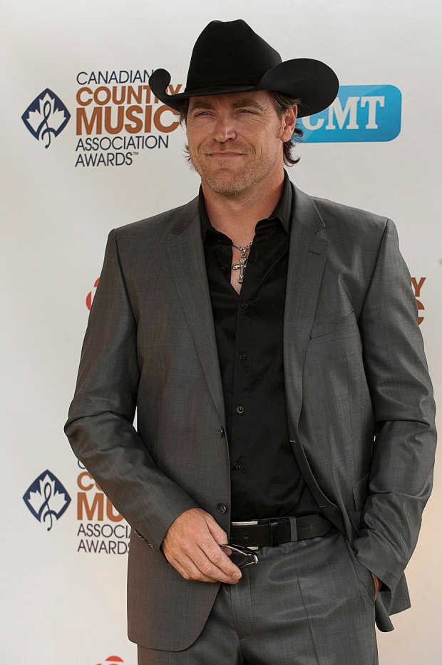 George Canyon poses at CCMAs