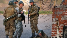 Ukrainian army fights back pro-Russian militants