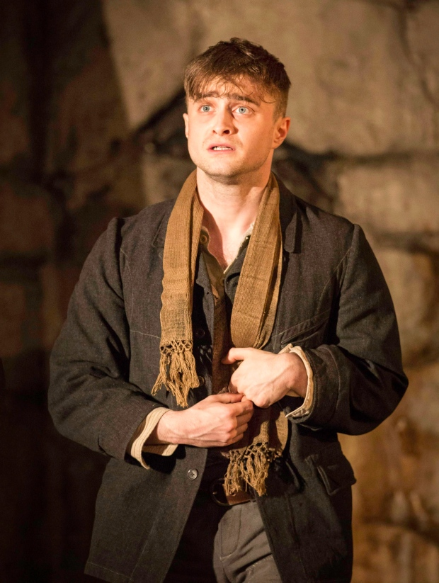 Daniel Radcliffe performing