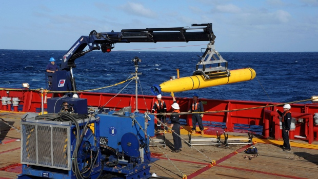 Sub searches for MH370