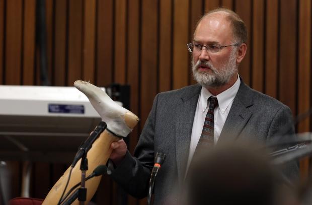 Roger Dixon testifies at Pistorious trial