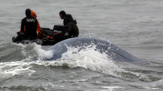 Search for Sewol ferry passengers