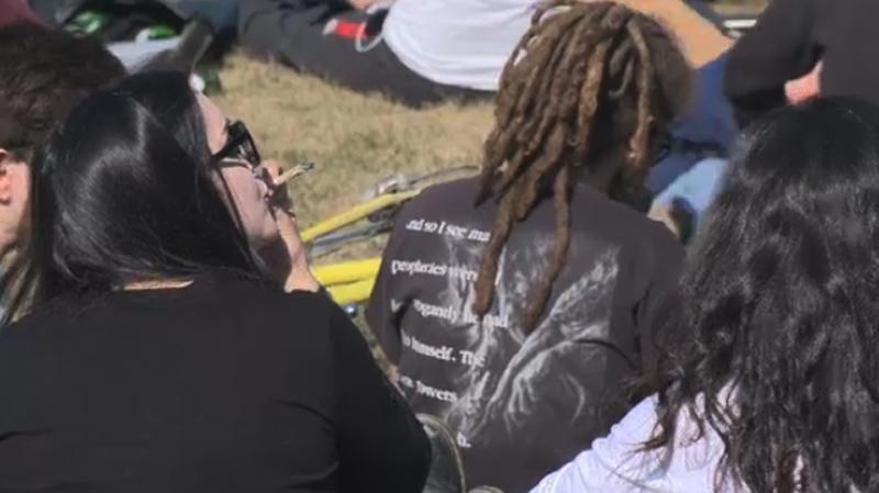 Proponents of marijuana showed up on Mount Royal S