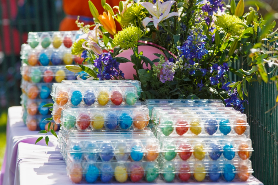Colourful eggs await the throngs of children attending the annual White House Easter Egg Roll  on the South Lawn of the White House in Washington, Monday, April 21, 2014. (AP / J. Scott Applewhite)