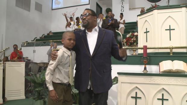 Willie Myrick sings gospel to abductor