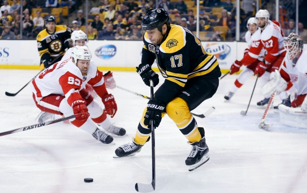 Boston Bruins' Milan Lucic